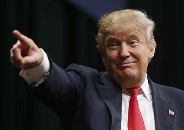 schiaffo Donald Trump