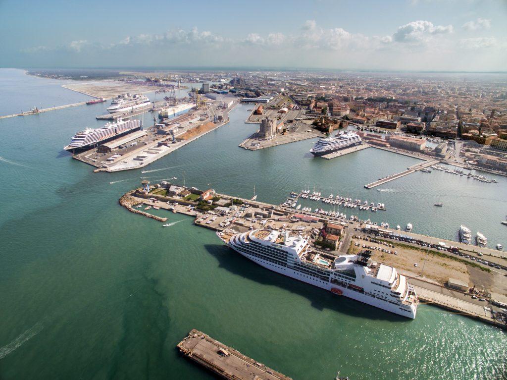 tensostruttura porto di livorno 2000