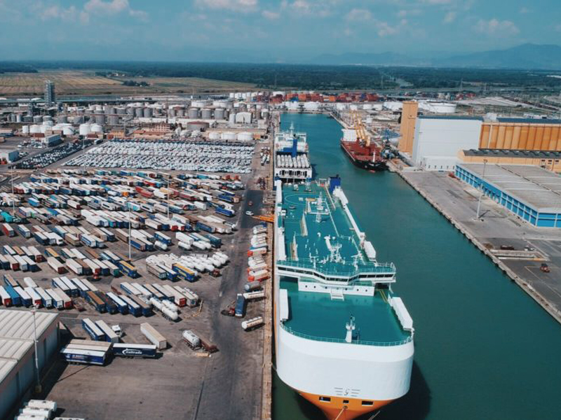 #Livorno operativo livorno porto 2000