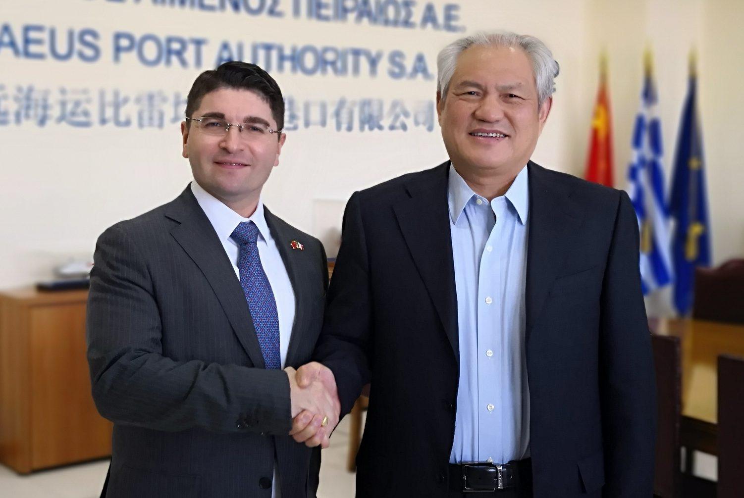 Memorandum siglato da Pino Musolino, e il CEO dell'Autorità Portuale del Pireo, Capitano Fu Chengqiu