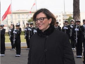 Charta Smeralda e rotta verso una mentalità plastic free con il Ministro della Difesa, Elisabetta Trenta