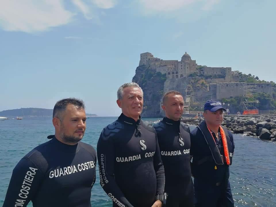 Ischia: l'Ammiraglio Giovanni Pettorino ha ricordato #PlasticFreeGC