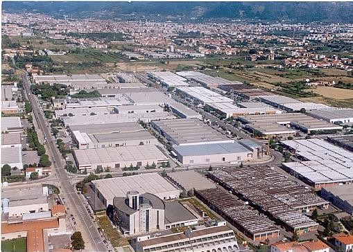 Energia, Regione chiede interventi a sostegno del distretto pratese las foto del Macrolotto di Prato.