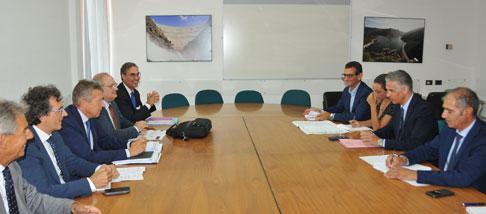 Frongia al tavolo con i responsabile ANAS