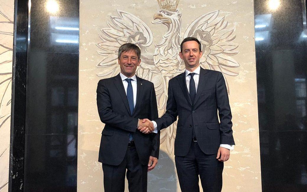 Export e Internazionalizzazione, vicepresidente F. Sala in Polonia, sala con il viceministro polacco alla Tecnologia e Attività imprenditoriali Marcin Ociepa.