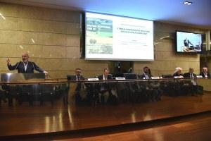 Emilia-Romagna contri i dazi, un momento della riunione in Regione.