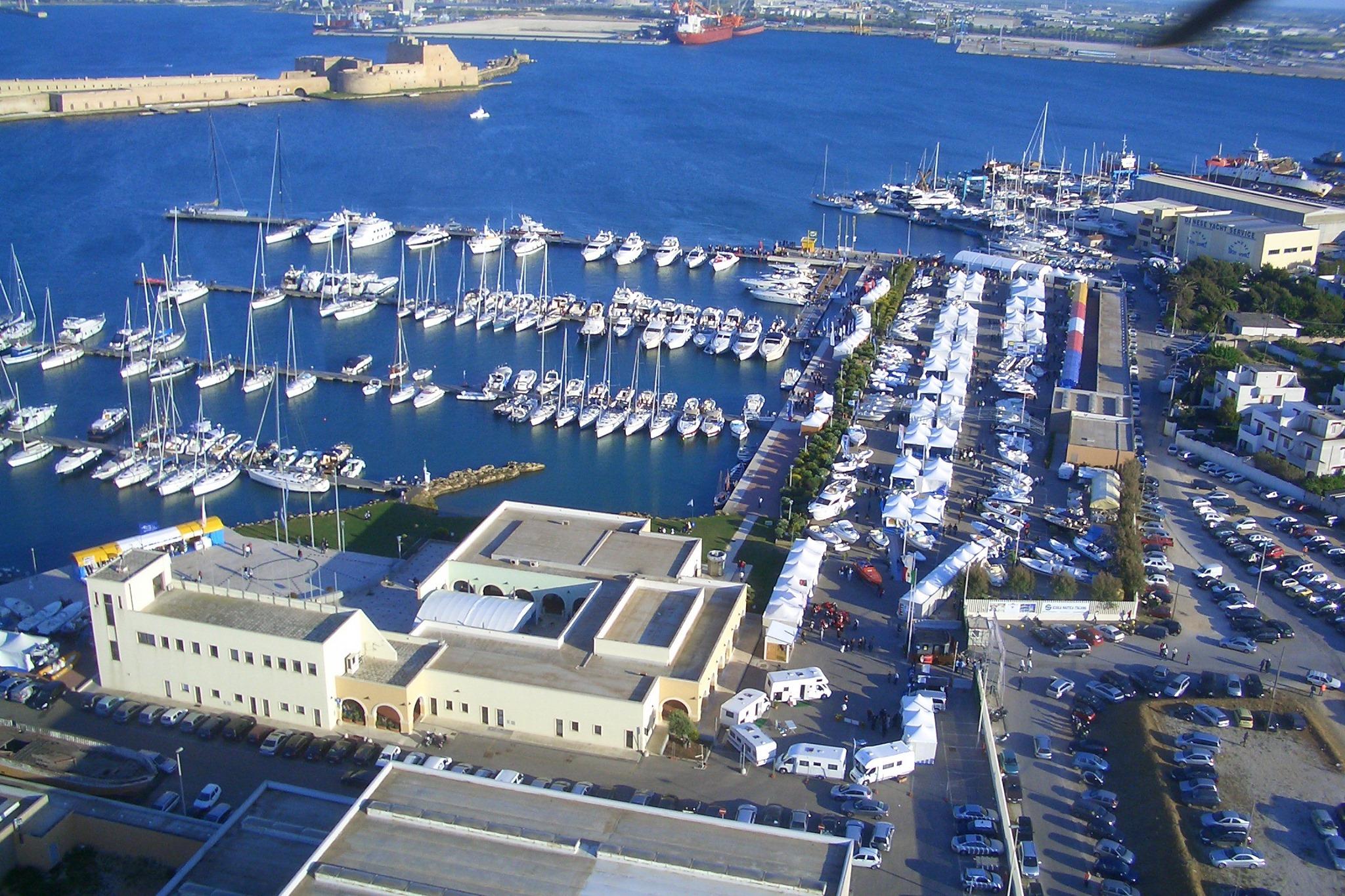 Salone nautico di Puglia dal 25 al 29 marzo, un o scorcio del porticciolo.