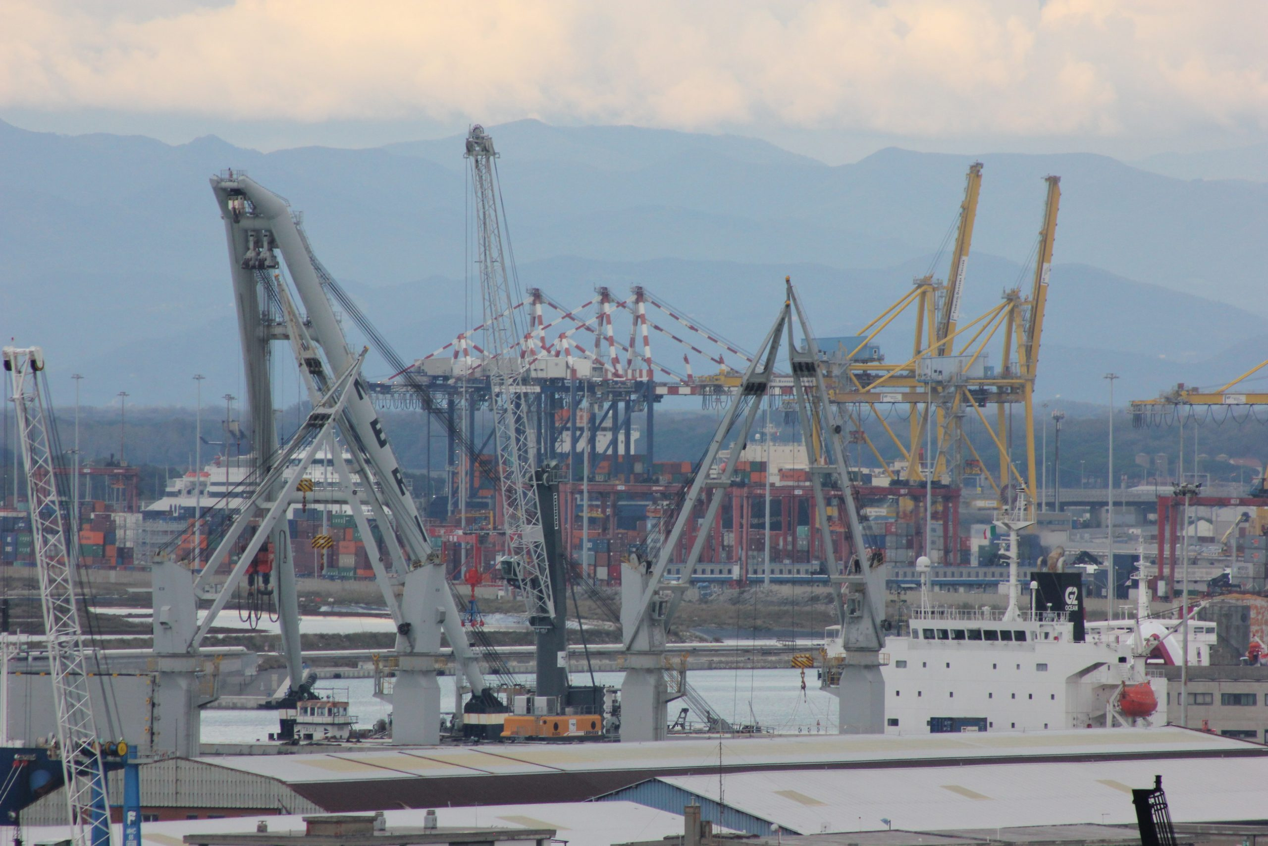 Intervento porto di livorno