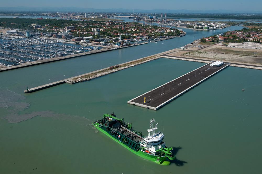 lavori nel porto